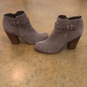 Shoes - Adorable booties!